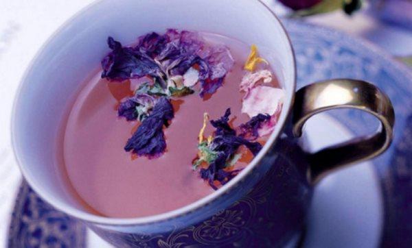 Чай из лепестков фиалки