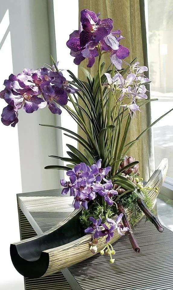 Цветочная композиция из орхидеи Ванда